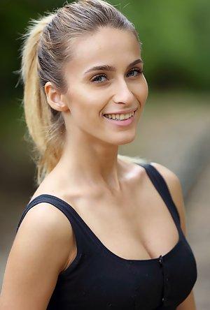 Cara Mell profile photo