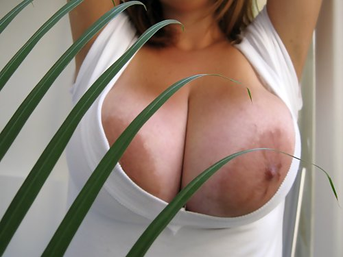 Eden Mors huge brown areolas