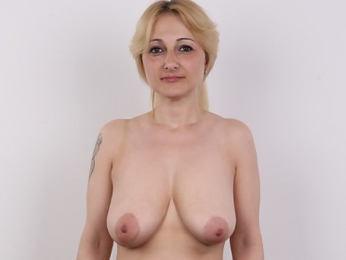 Casting pics of a busty matrure blonde