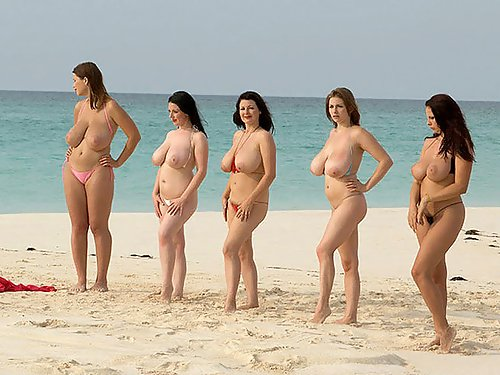 Candid shots of 5 busty girls at the beach