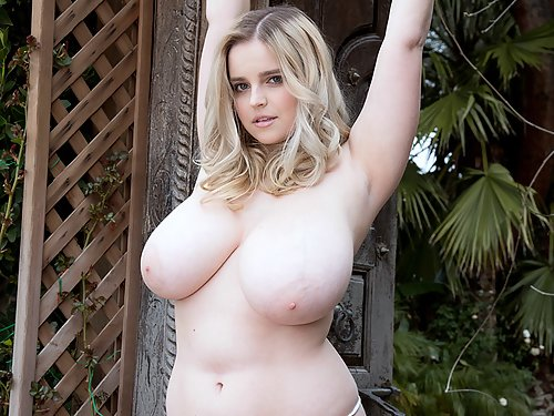 Chubby busty blonde stripping by her house