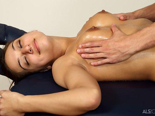 Shaved brunette Sara Luvv receives a very intense massage