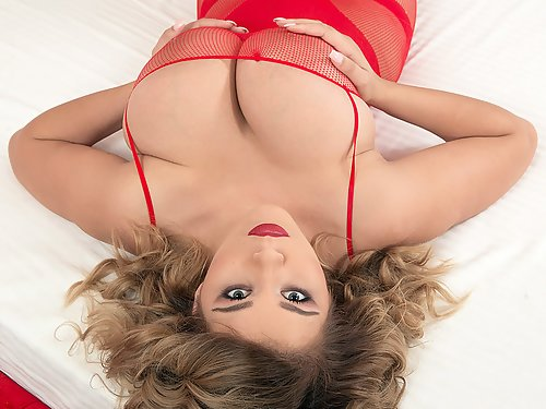 Packed with over 1500 busty models, Scoreland is the undisputed leader in big boobs content. The site is packed with quality photos and HD videos of busty legends as well as big-titted newcomers. at Scoreland
