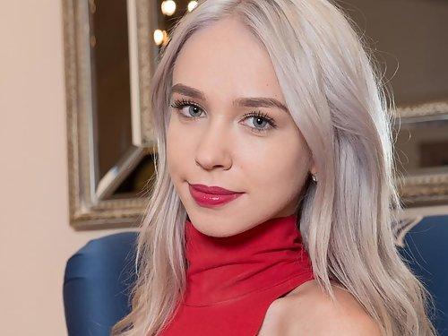 Arteya Inked Blonde